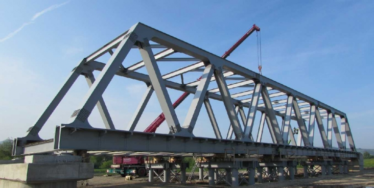 Metal decks for bridge - Rehabilitation railway Pan European Corridor IV